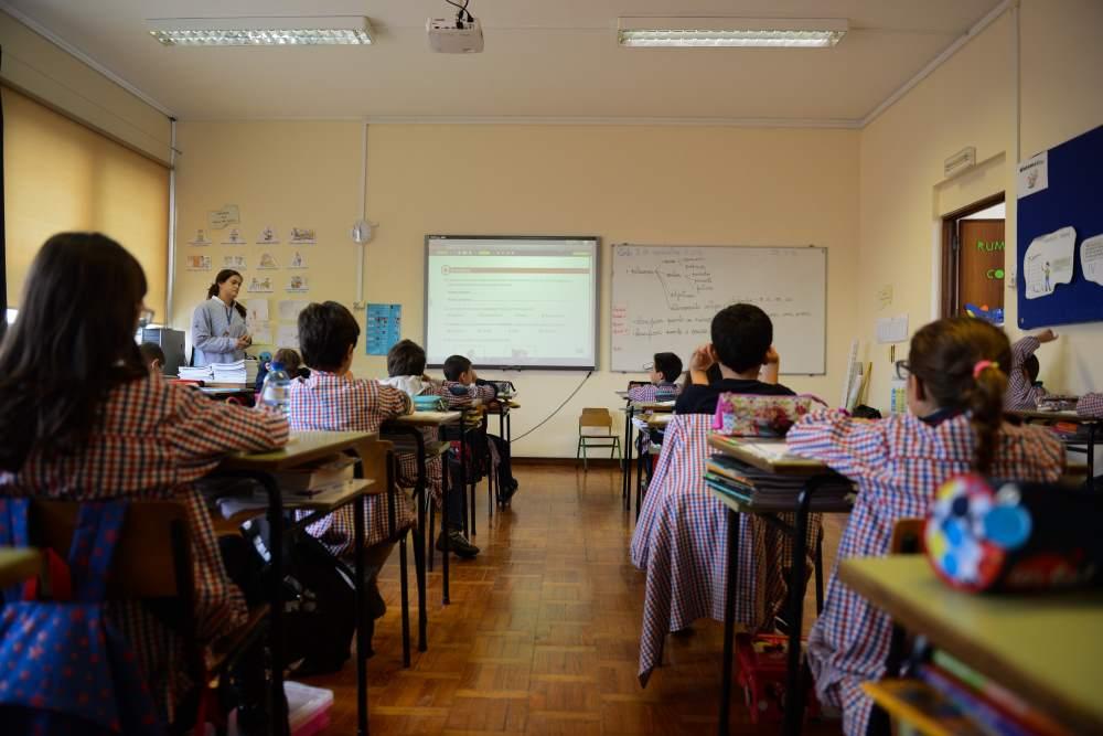 http://www.scmp.pt/assets/misc/img/ensino/sala%20aula%20.jpg