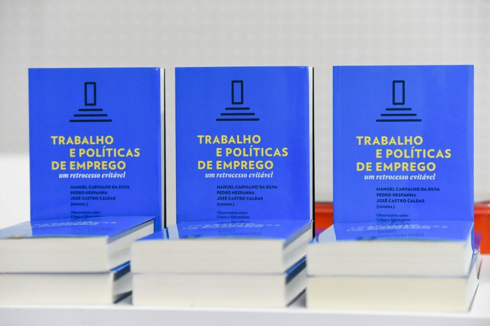 https://www.scmp.pt/assets/misc/img/noticias/2017/2017-12-06%20Livro%20Almedina/HEL_0677.jpg