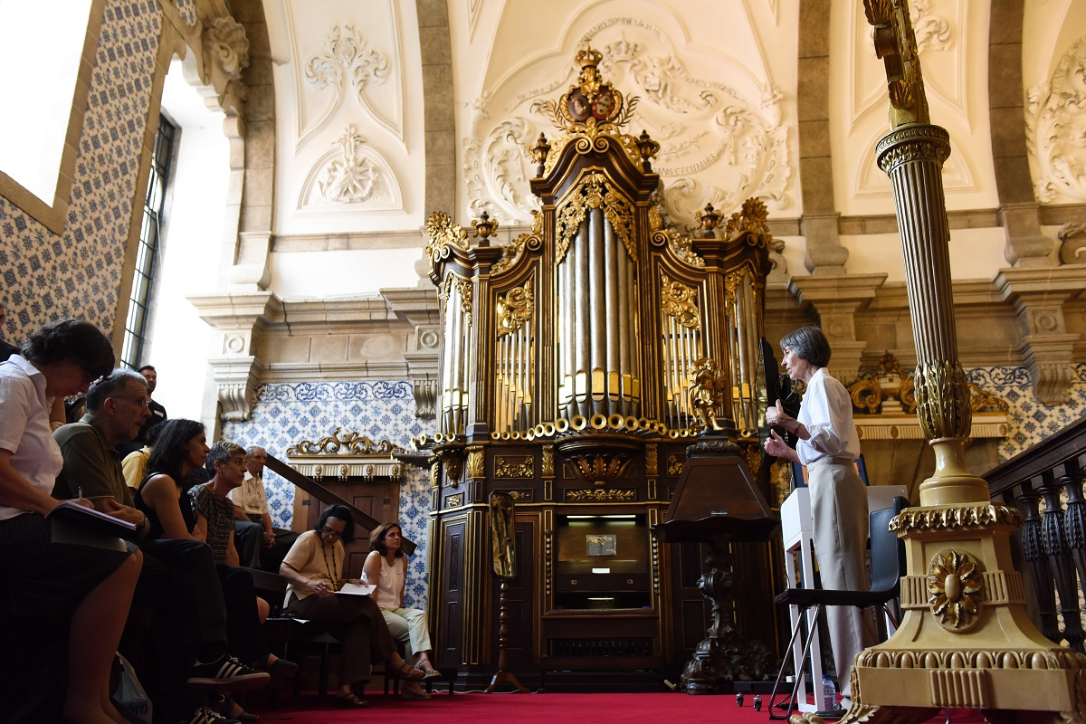 https://www.scmp.pt/assets/misc/img/noticias/2017/20170622%20Igreja%20Elena%20Charola/Igreja%20Elena%20Charola%20(1).jpg
